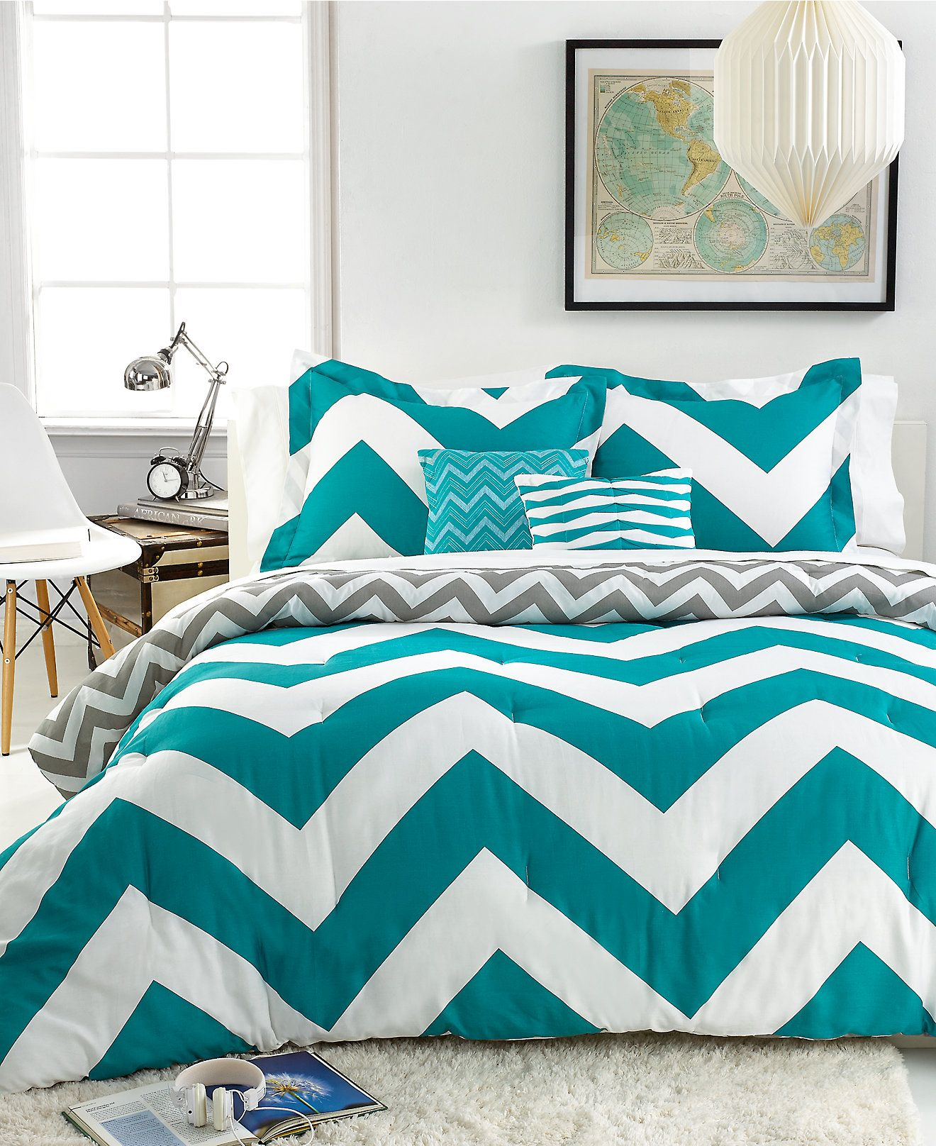 this chevron comforter set is adorable — we've gotta have it