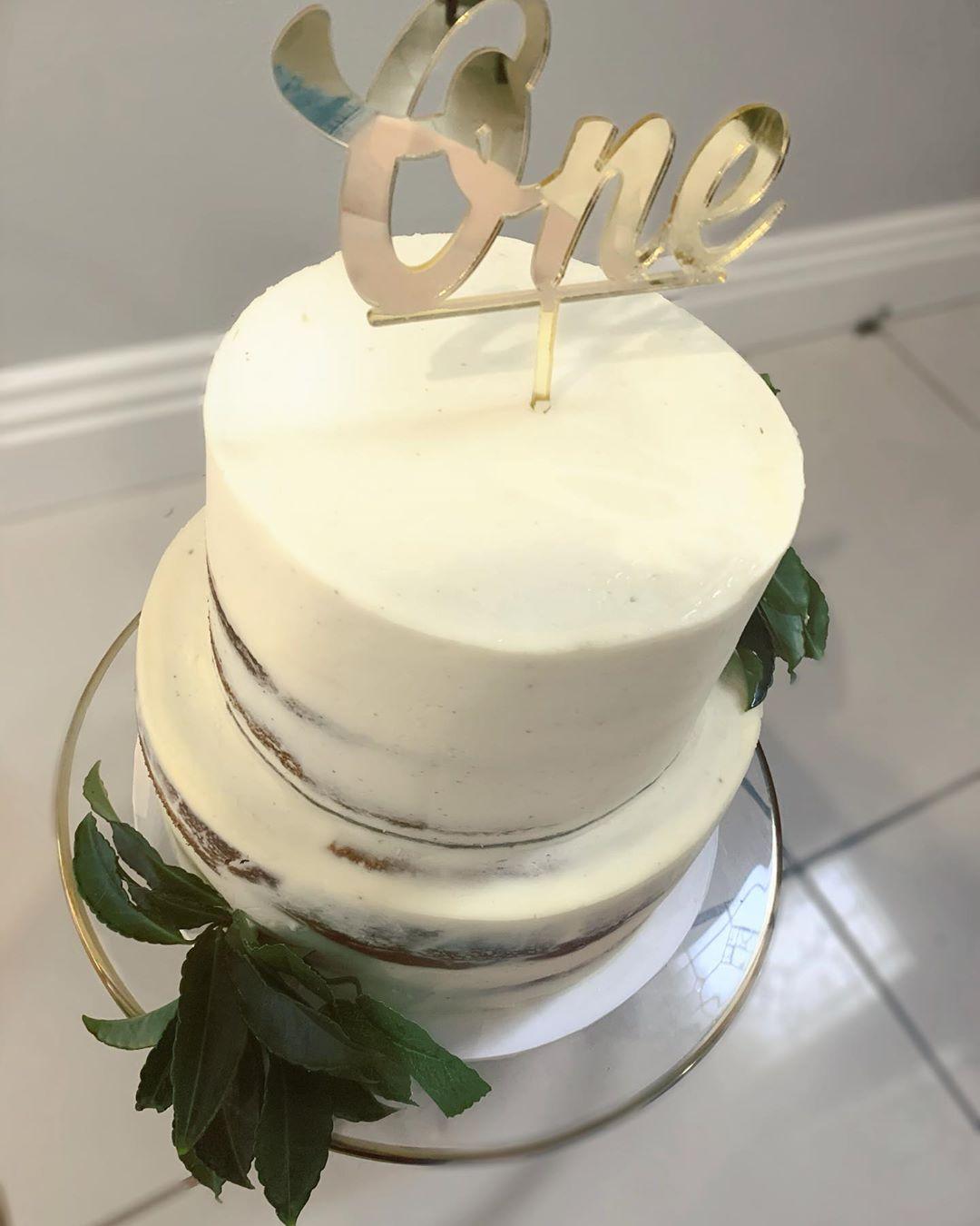 Salted Caramel Naked Golden Wedding Cake | Anges de Sucre