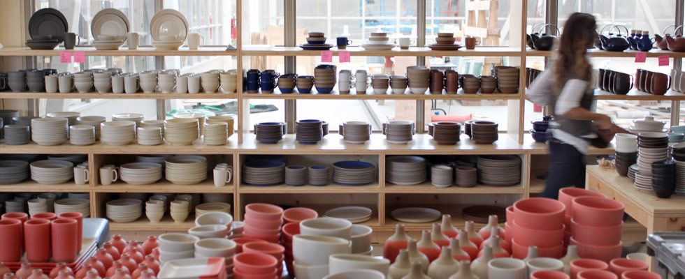 San Francisco - Heath Ceramics - new store with view into the factory - design by Commune