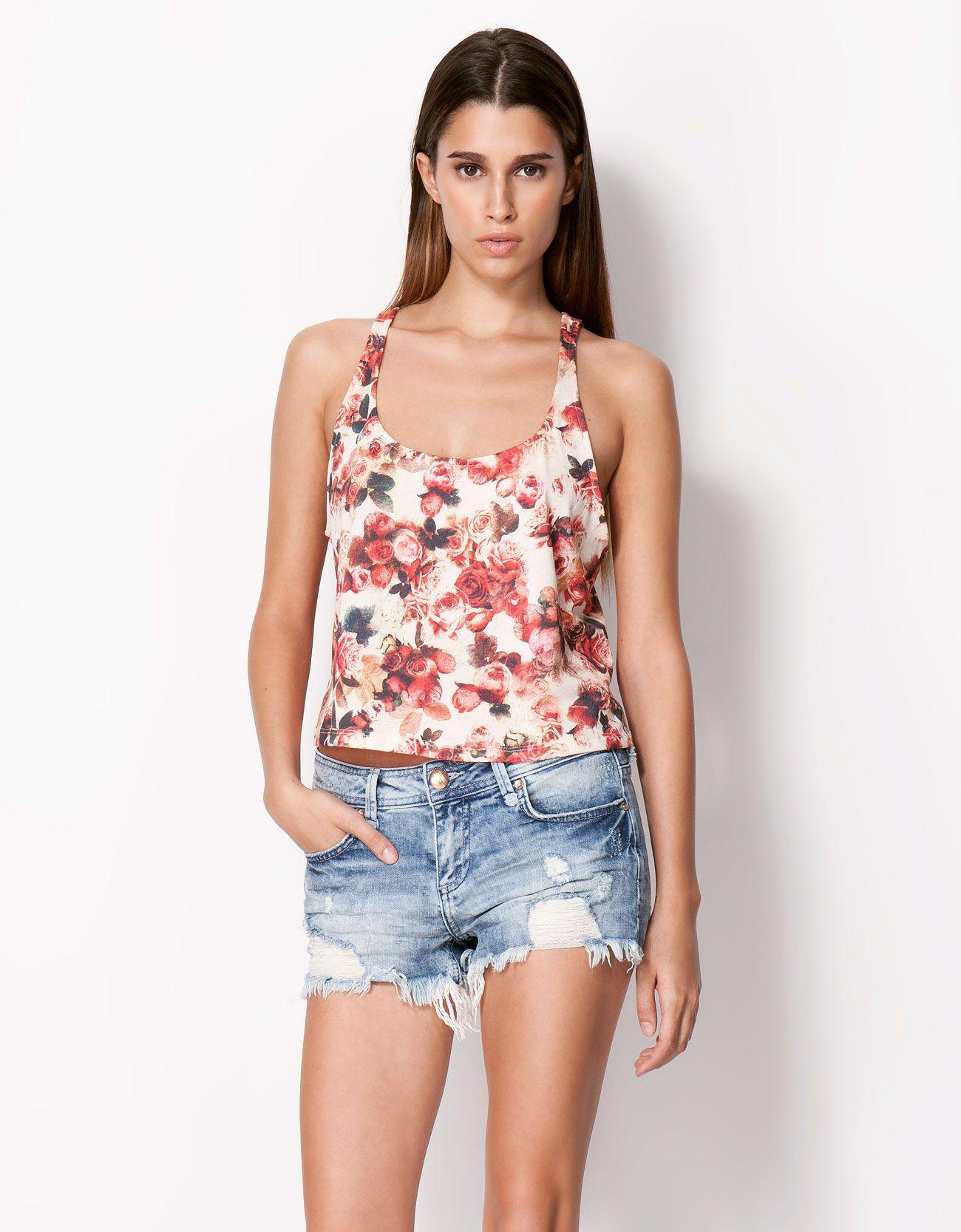 Bershka short T-shirt  3486e041a3a