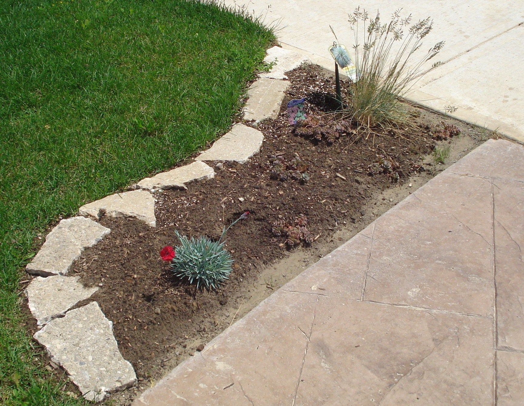 Flagstone Edging. Easy mowing. DIY. From