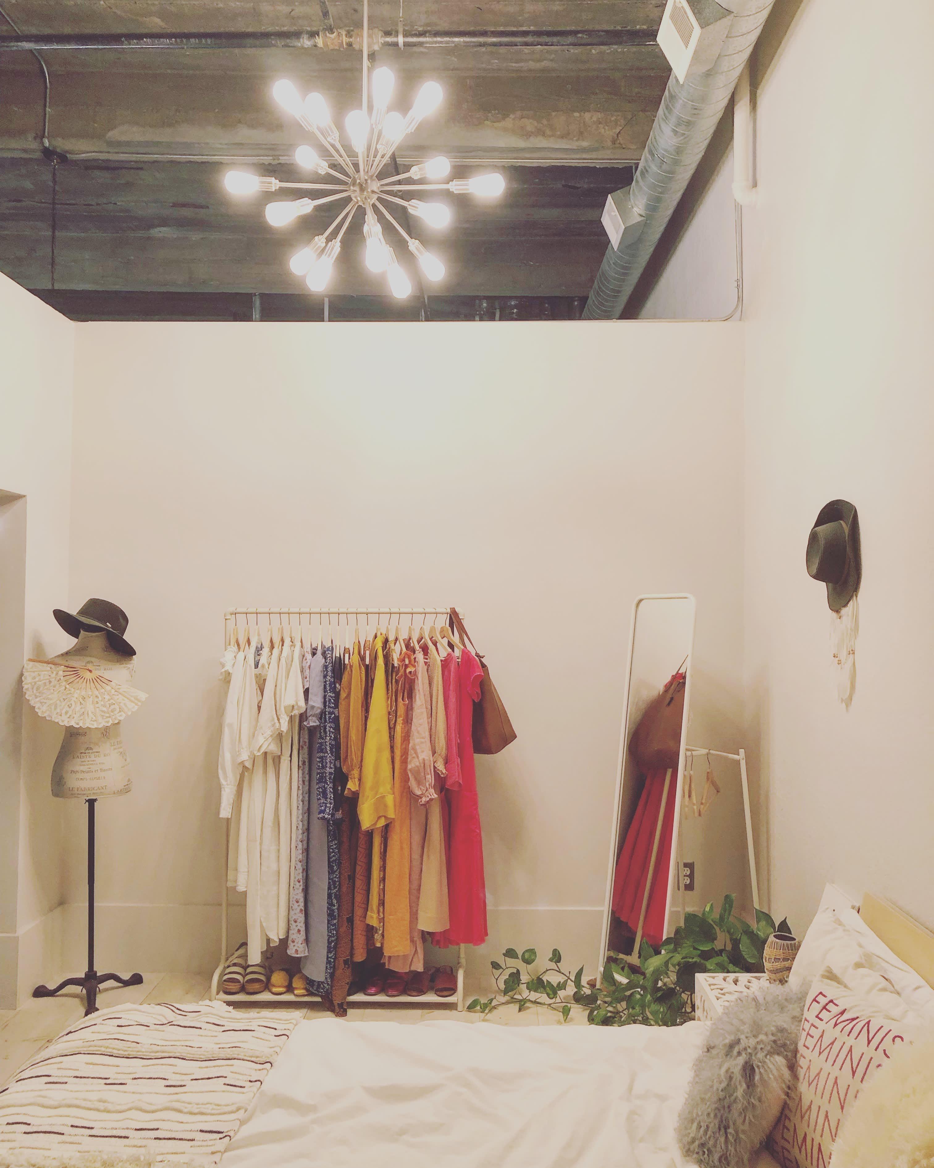 A Condo Found On Craigslist Is A Uniquely Magical Bright Dream Rental Apartment Decor Rental Decorating Room Decor