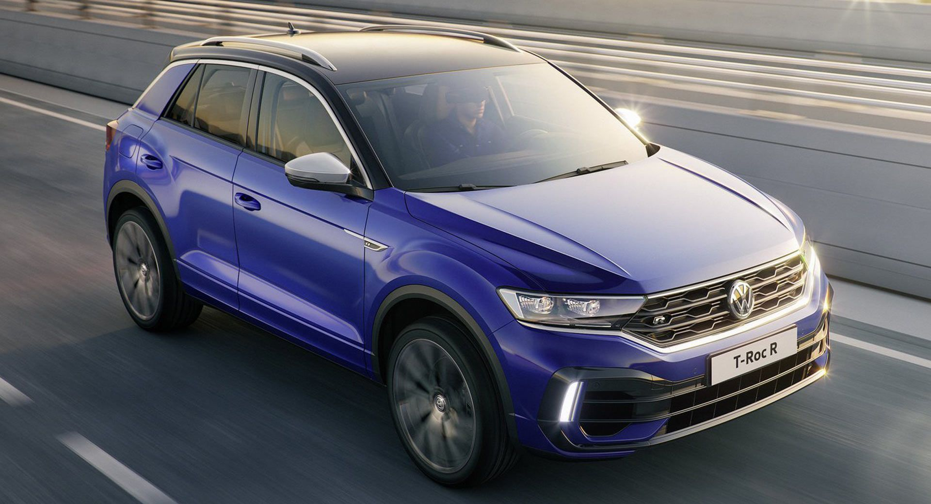 Vw Working On Two Suvs To Slot Below The Tiguan Could They Be Us Spec Versions Of T Roc And T Cross Reports Suv Usa Volkswagen New Cars Volkswagen Passat