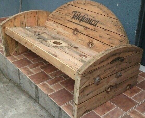 Cable spool bench spool ideas pinterest cable for Wire reel furniture