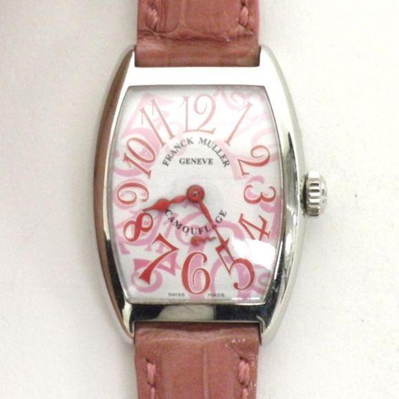 【中古】FRANCK MULLER(フランクミュラー) 1750 S6 カモフラージュ クオーツ SS クロコ/ノウ・カーベックスケースが見せる3次元曲線の柔らかなフォルムと、甘くみずみずしい色彩が見事なコンビネーションを描き出した逸品。/新品同様・極美品・美品の中古ブランド時計を格安で提供いたします。