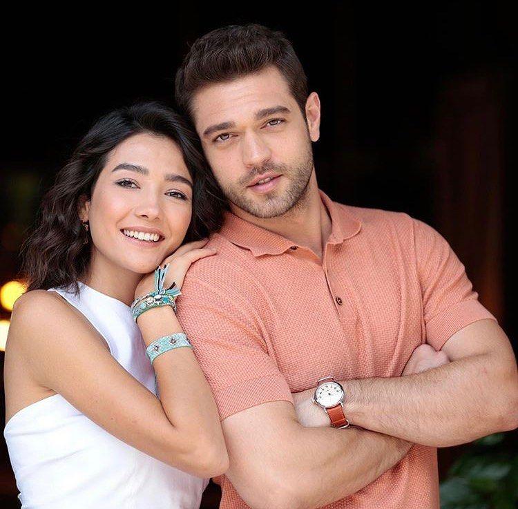Aybukepusat Furkandic8 Behind The Scenes Of 7th Episode Of Heryerdesenfox Aybukepusat Aybukepusat Aybu Turkish Film Cute Couples Celebrity Faces