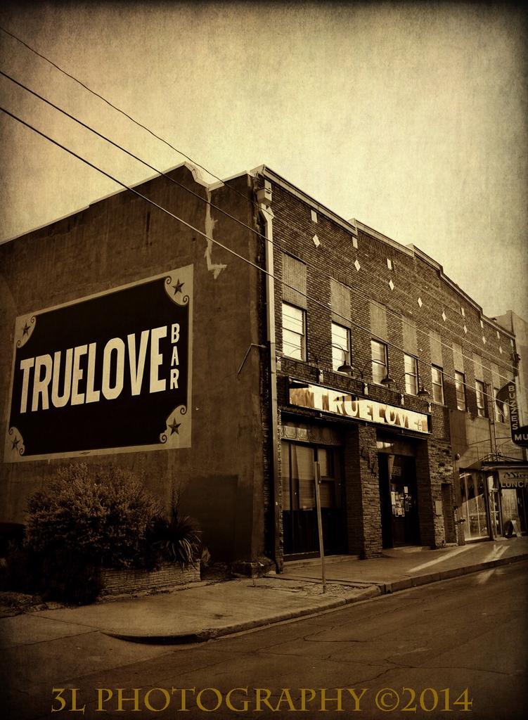 Truelove 8x10