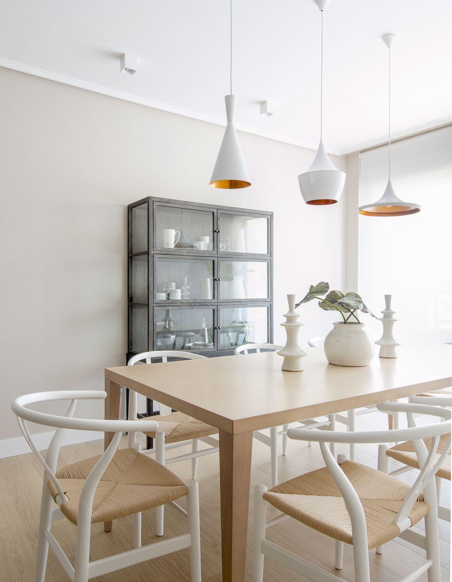 Detalle comedor en vivienda reformada y decorada íntegramente por ...