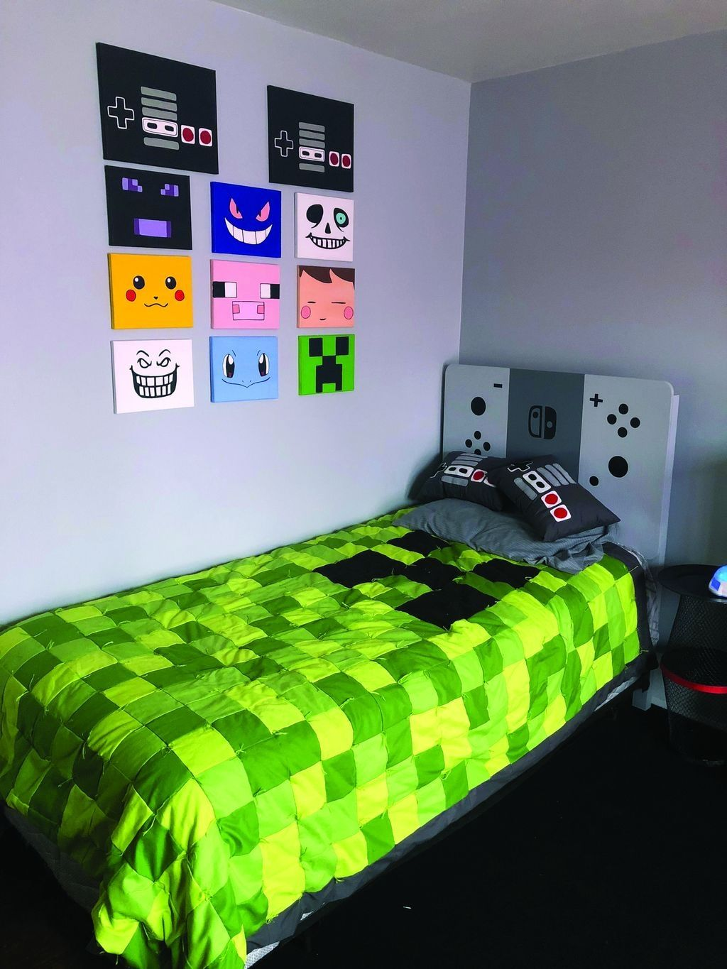 40 Brilliant Bedroom Decoration Ideas For Your Boy Video Game Room Decor Gaming Bedroom Ideas Fortnite Bedroom Ideas