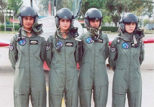 PAKISTAN AIRFORCE FEMALE PILOTS | Pakistan <3 | Pakistan
