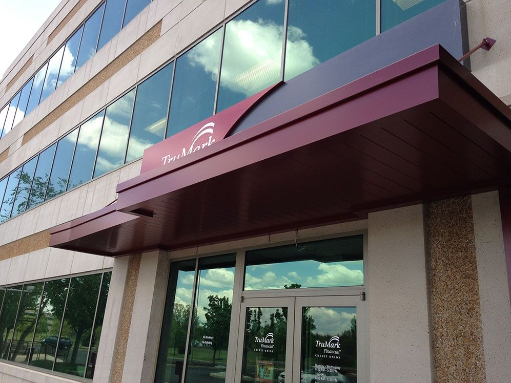 Masa Extrudeck Red Canopy At Trumark Financial In Fort Washington Pa Architecture Design Metal Manufacturing Americanm With Images Custom Canopy Canopy Architecture