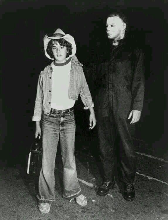 dick warlock and his son on set behindthescenes of halloween ii c 1981 - Halloween Movie History