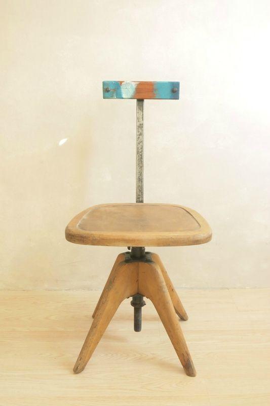 L Originale Chaise D Atelier Commodes Tables Et Buffets Vintage