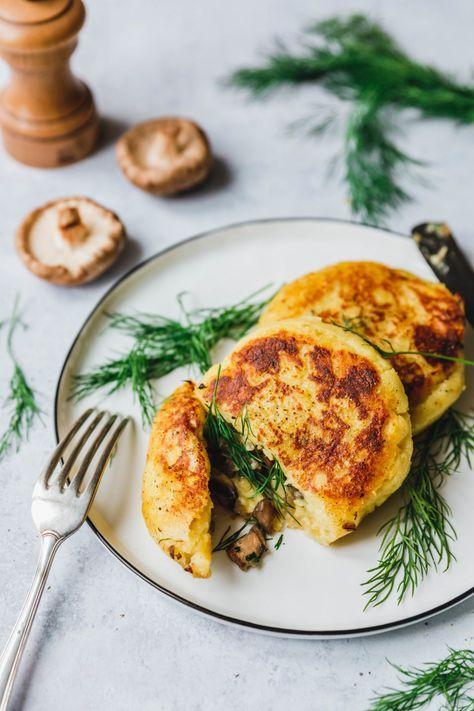 Knusprige Potato Cakes mit Pilzfüllung & frischem Dill · Eat this! Foodblog • Vegane Rezepte • Stories #recettehiver