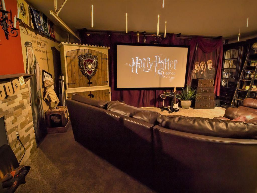 Harry Potter Home Theater With Huge 8ft Screen And 3d Projector 2d 3d Movies Hometheatrep Home Theater Seating Harry Potter Theatre Home Theater Furniture