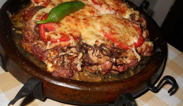 Пържоли на сач с майонеза - Рецепта. Как да приготвим Пържоли на сач с майонеза. Овкусете <a href= http://recepti.go...