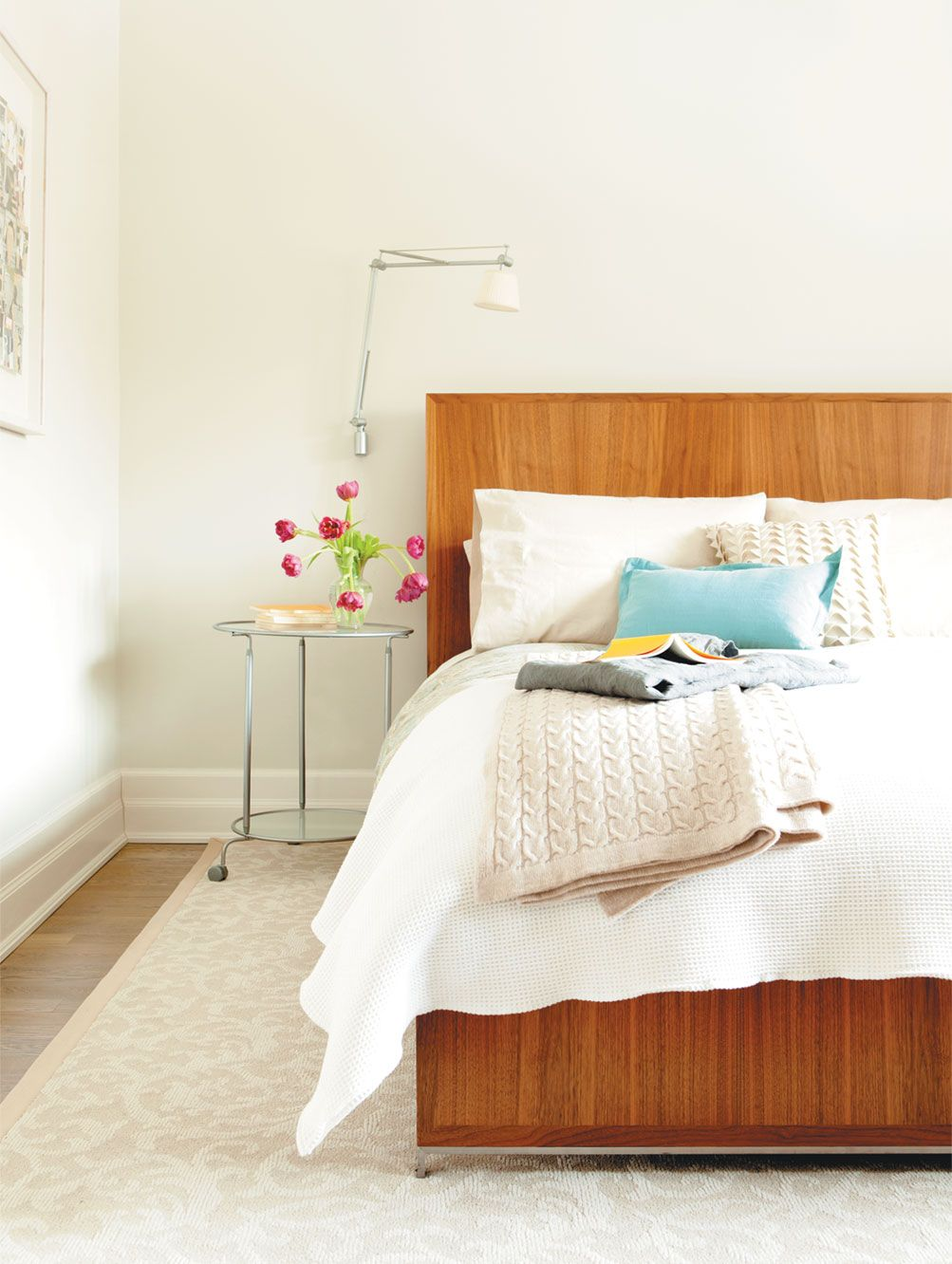 Decorating bedroom simple  summer decorating ideas  throw pillows bedrooms and pillows
