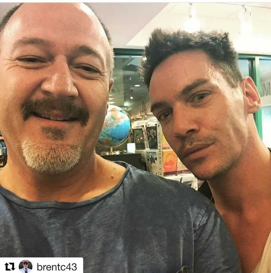 Jonathan Rhys Meyers with fan JRM #jonathanrhysmeyers #jrm @brentc43 IG