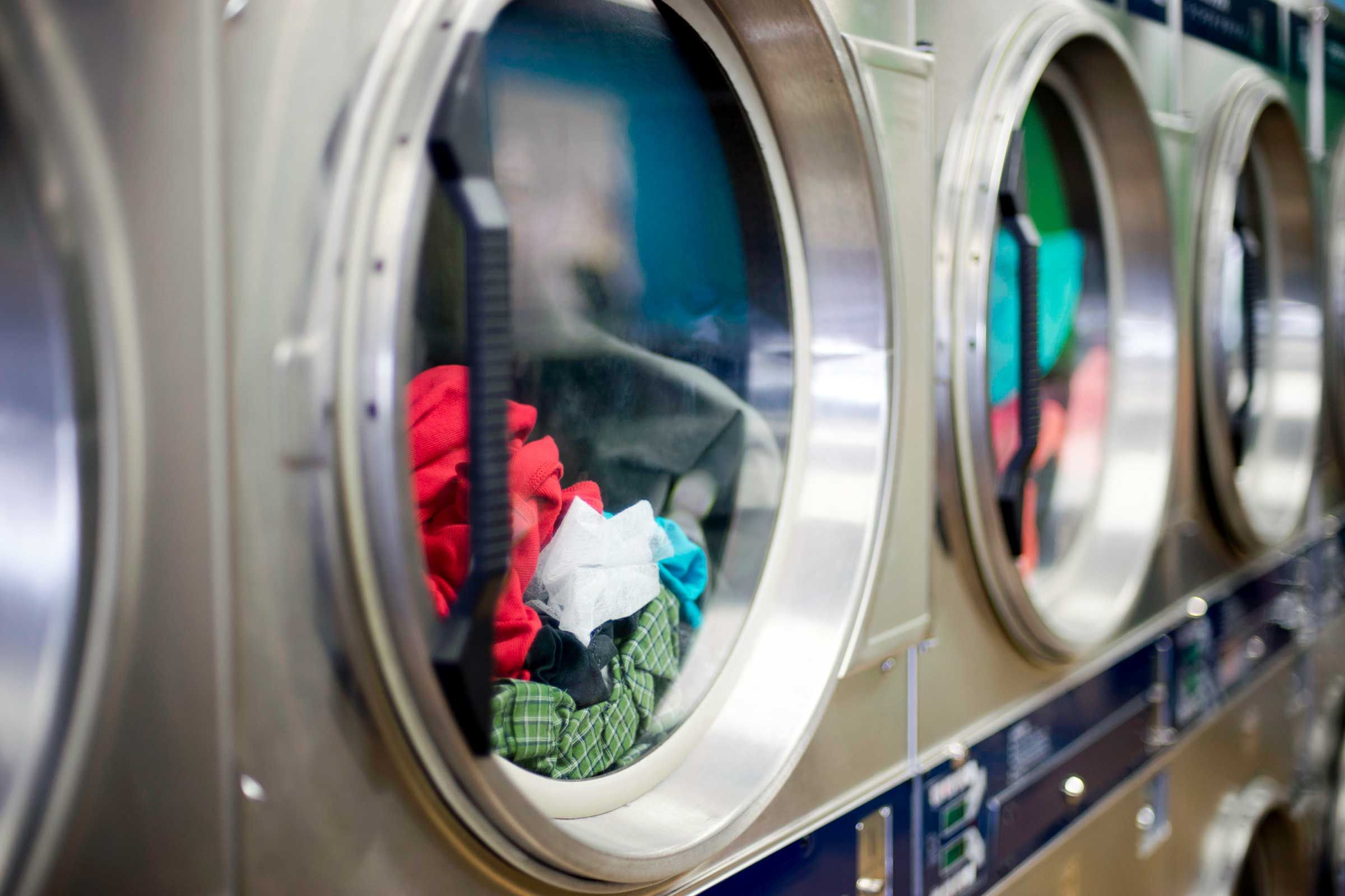 Advantages of working with a professional laundry service