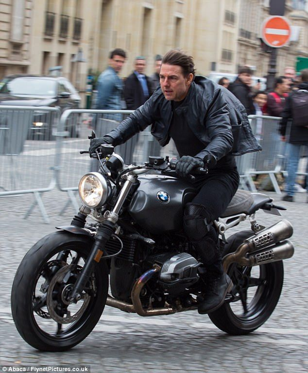 Tom Cruise 54 Films On Motorcycle For Mission Impossible 6