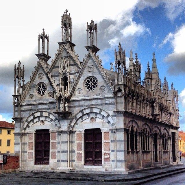Chiesa di Santa Maria della Spina in Pisa, Toscana (met ...