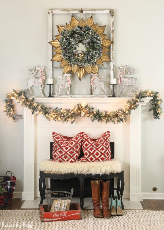20 Insanely Gorgeous Christmas Mantel Ideas You Need to Copy This