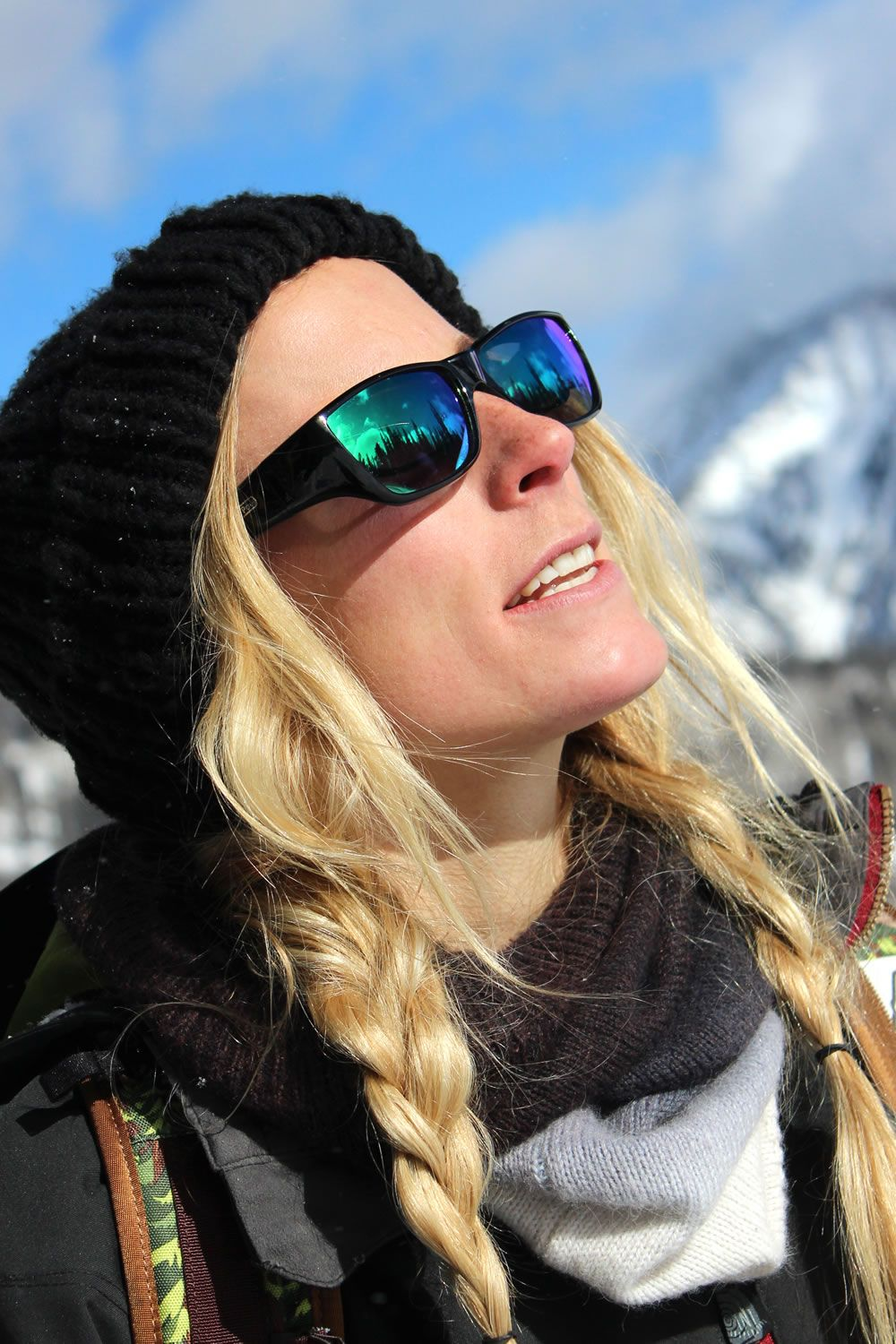 bc46e29e56 Neera Midnite Oil (Green Mirror) fitover sunglasses by Jonathan Paul® are  perfect for adventures in the snow. With 100% UVA UVB protection