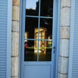 Porte Fenetre A Serrure Et Soubassement Sur Eleve 6 Carreaux En