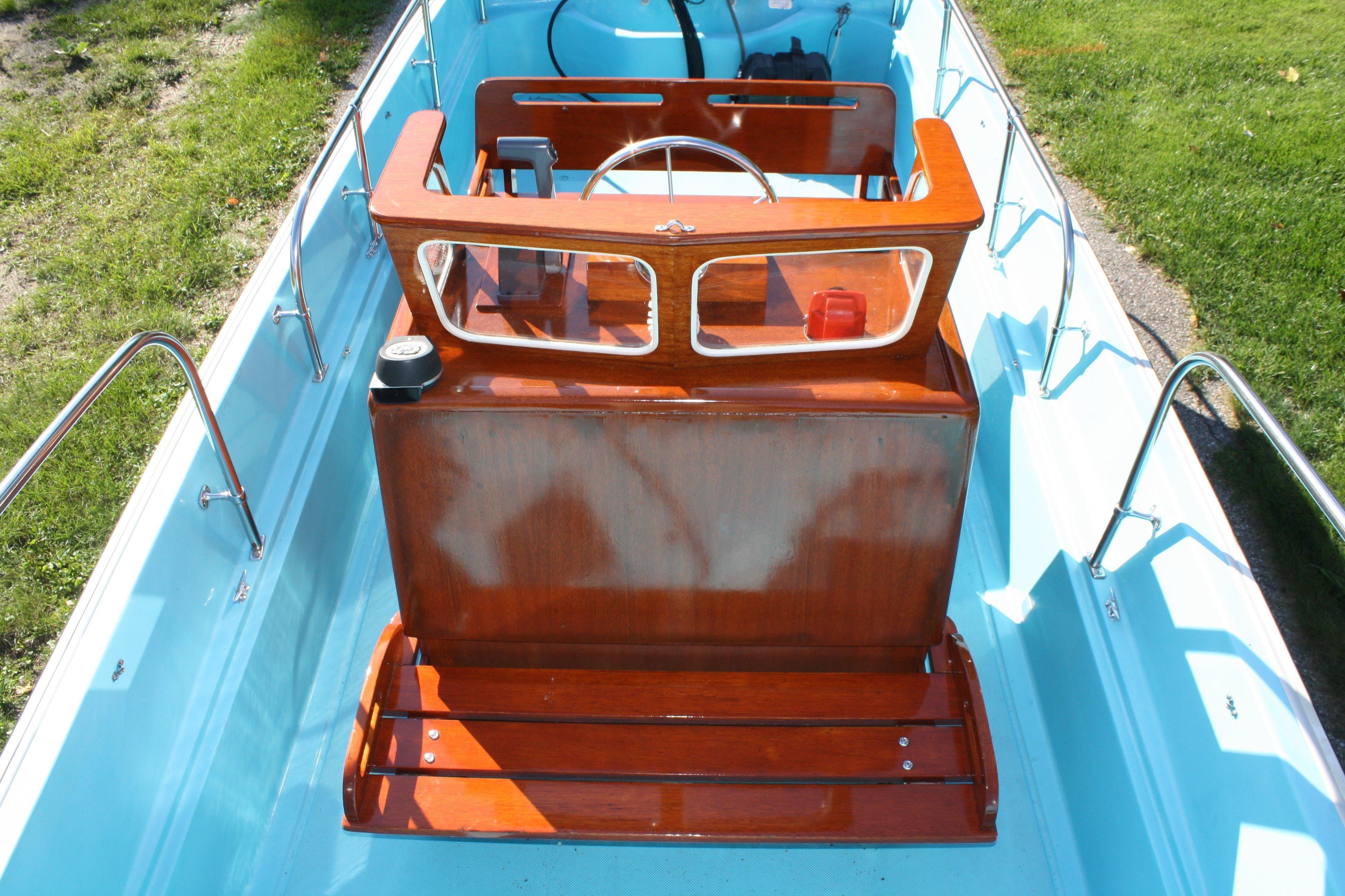 1971 Boston Whaler 17 Nauset for sale | Old Boston Whalers
