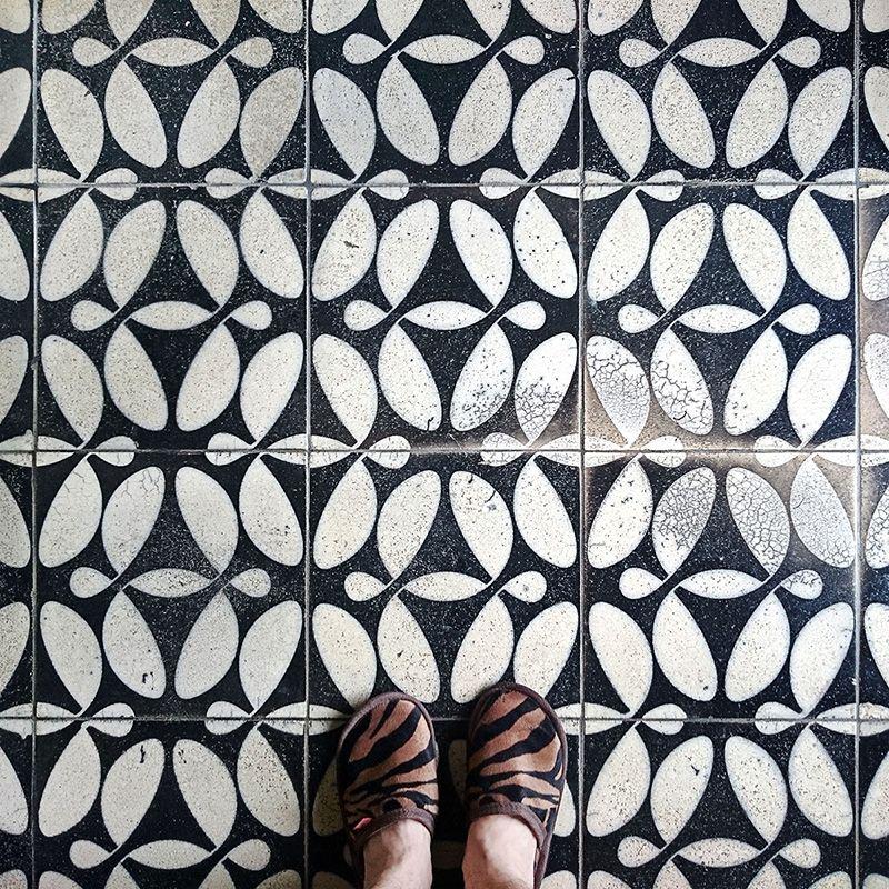 Badezimmer Graue Fliesen Und: Badezimmer Fliesen, Kacheln Und Fliesen