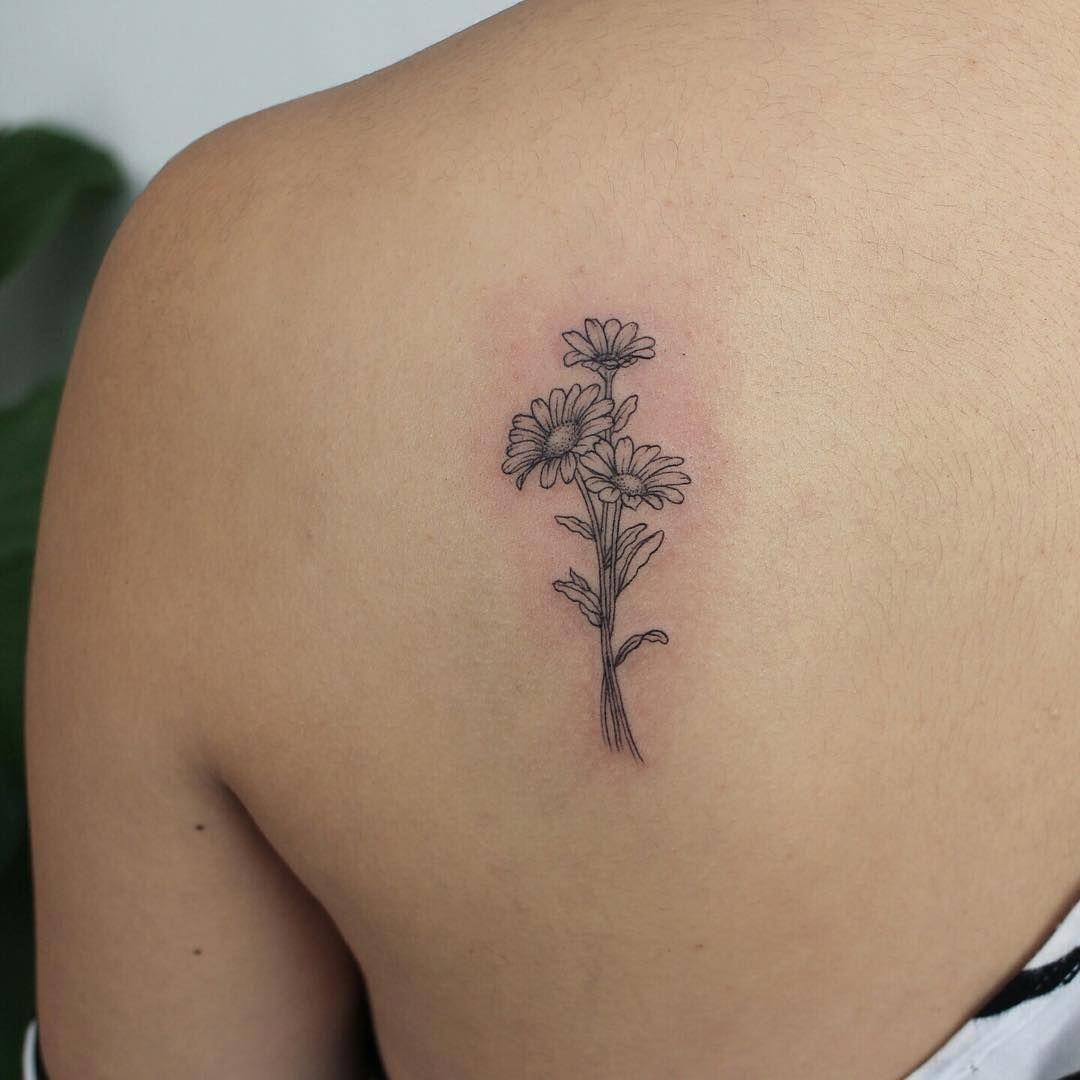 Minimalist Tattoos For Women Minimalisttattoos In 2020 Trendy Tattoos Tattoos Tasteful Tattoos