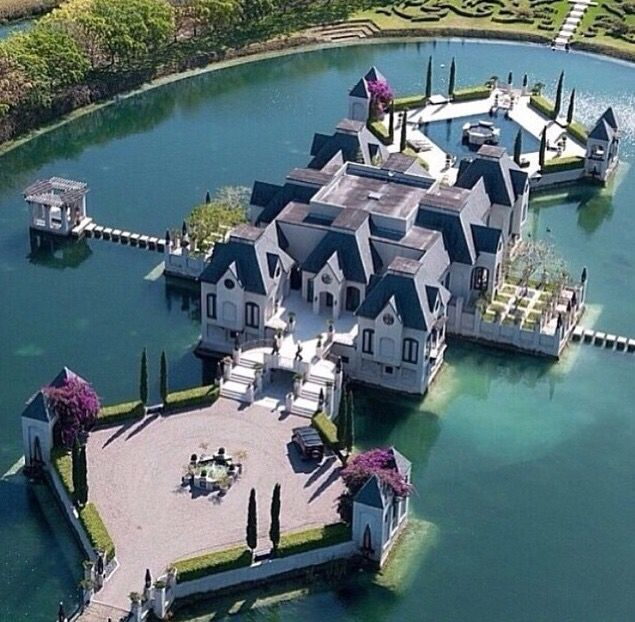 Amazing Mansion