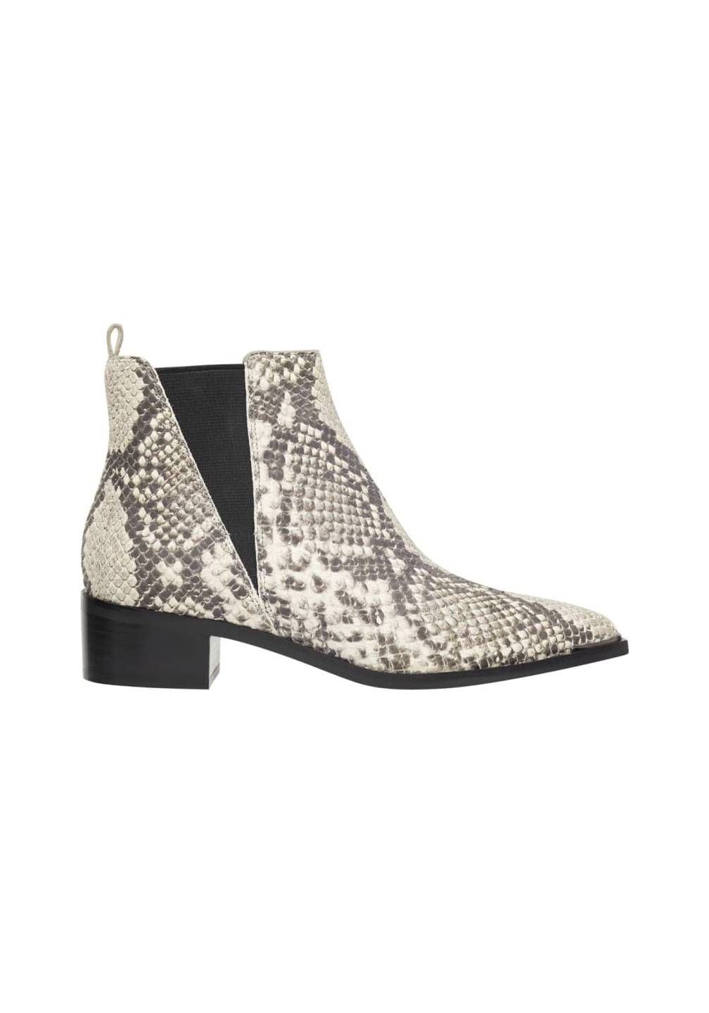 dc4fcf34e51 These 3 Ankle Boots Are Rated as the Most Comfortable | Feet ...