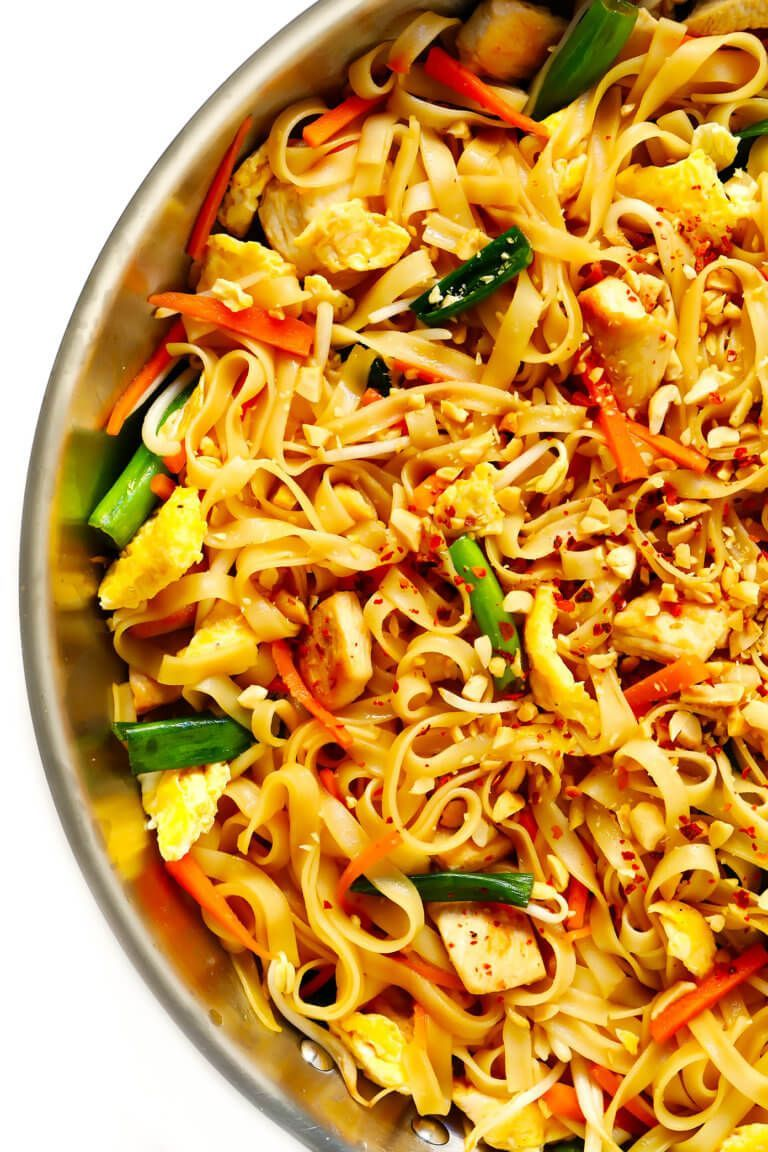 The BEST Pad Thai recipe! It's easy to make with either chicken, beef, pork, shrimp or vegetarian (with or without tofu), and tastes even better than the restaurant version! A delicious healthy dinner recipe that everyone will love. |