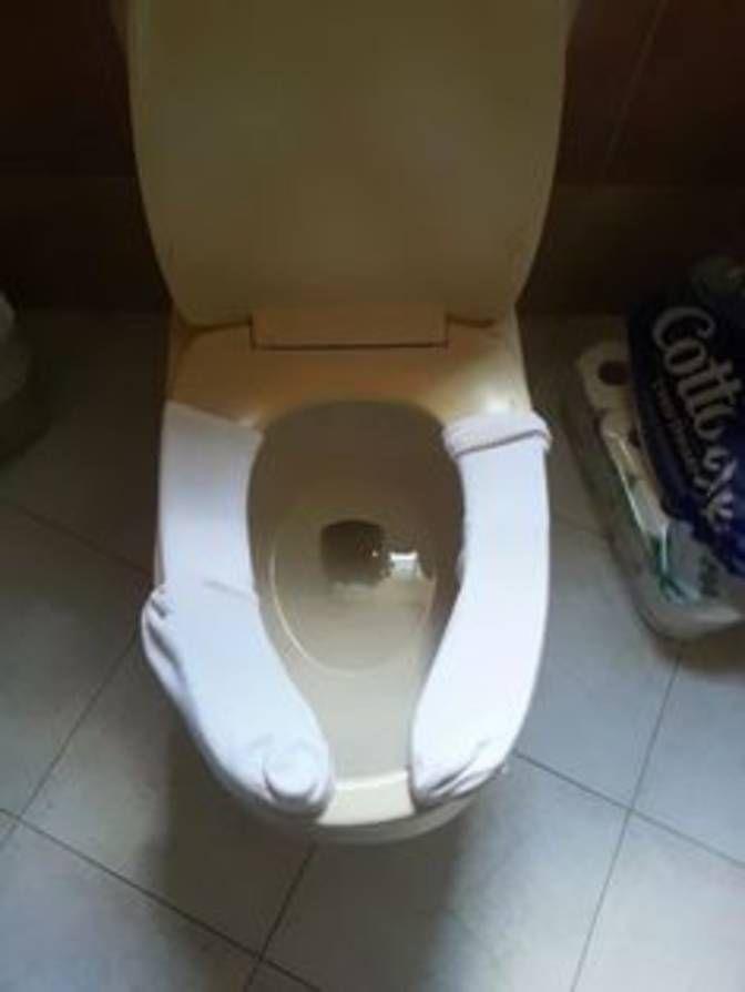 Tube Socks On The Toilet Seat Public Bathrooms Useful Life Hacks Potty