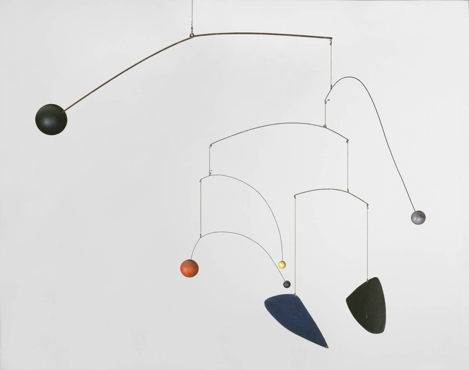 artist alexander calder movement surrealism title mobile 1932 location tate modern london. Black Bedroom Furniture Sets. Home Design Ideas