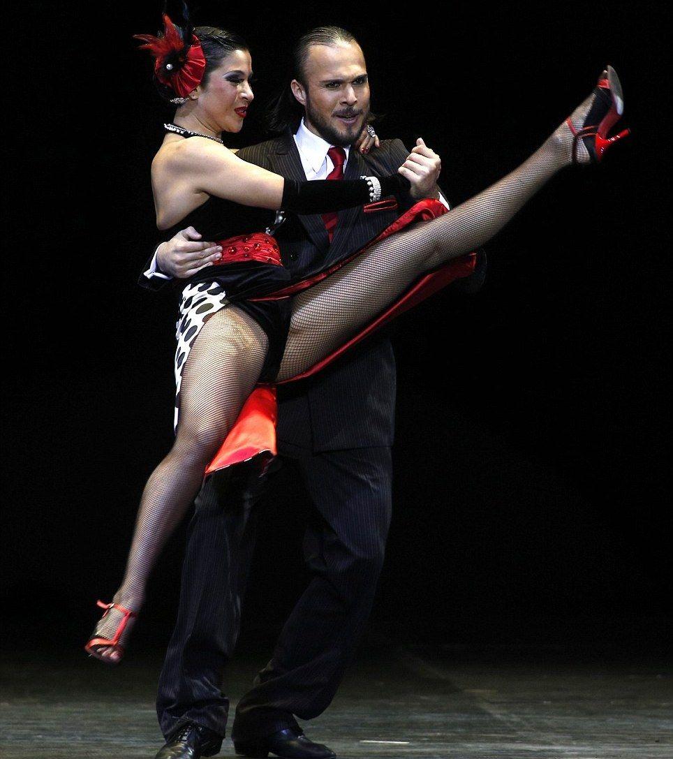 музыкальные пикантные моменты на бальных танцах обладательницы