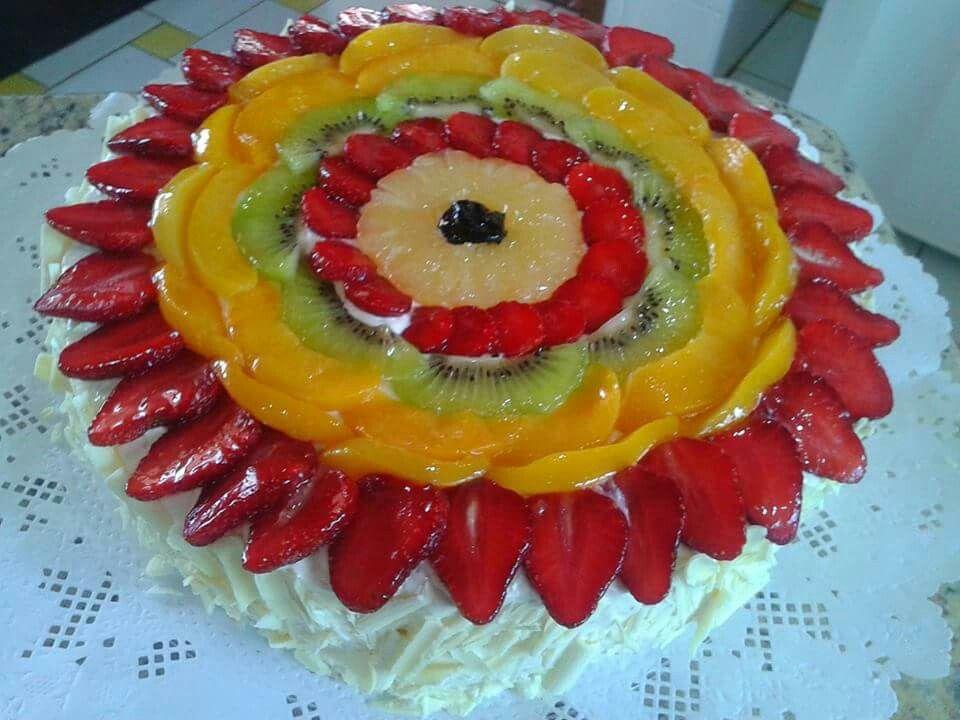 Bolo de frutas e chocolate branco 2