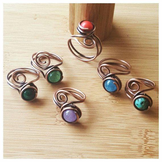 Photo of Drahtring einfacher Azurit, Draht umwickelter Ring, Edelsteinringdraht, Kupferring Azurit, Kupfer, Drahtring mit Edelsteinringstein