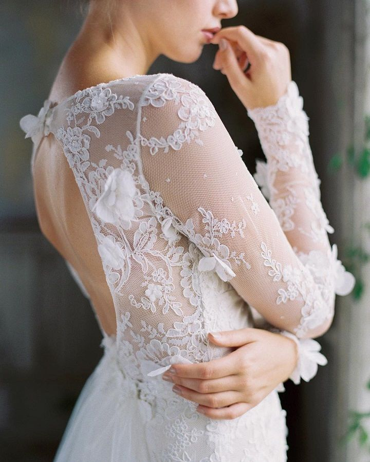 Beautiful long sleeve lace wedding dress #weddingdress #weddinggown #bridalgown #bridaldress #bride #laceweddingdress