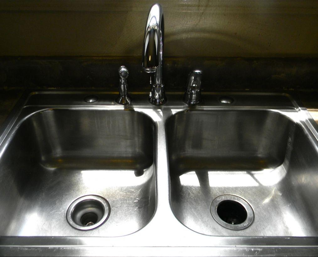 Je n'achéterai plus jamais d'autre produits pour nettoyer. Surtout pour tout ceux qui ont de l'eau dure, vous devez essayer ca!