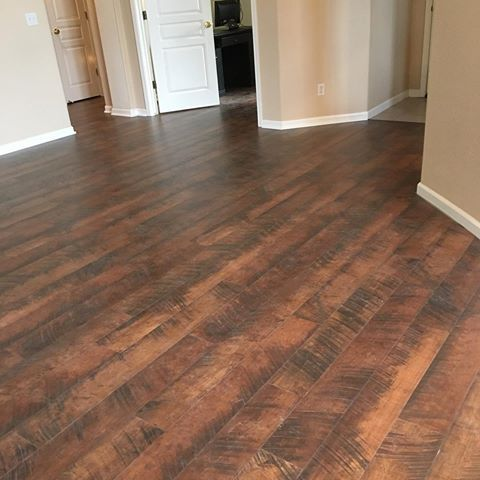 Pergo Outlast Antique Cherry 10mm Beautiful Excellent Product