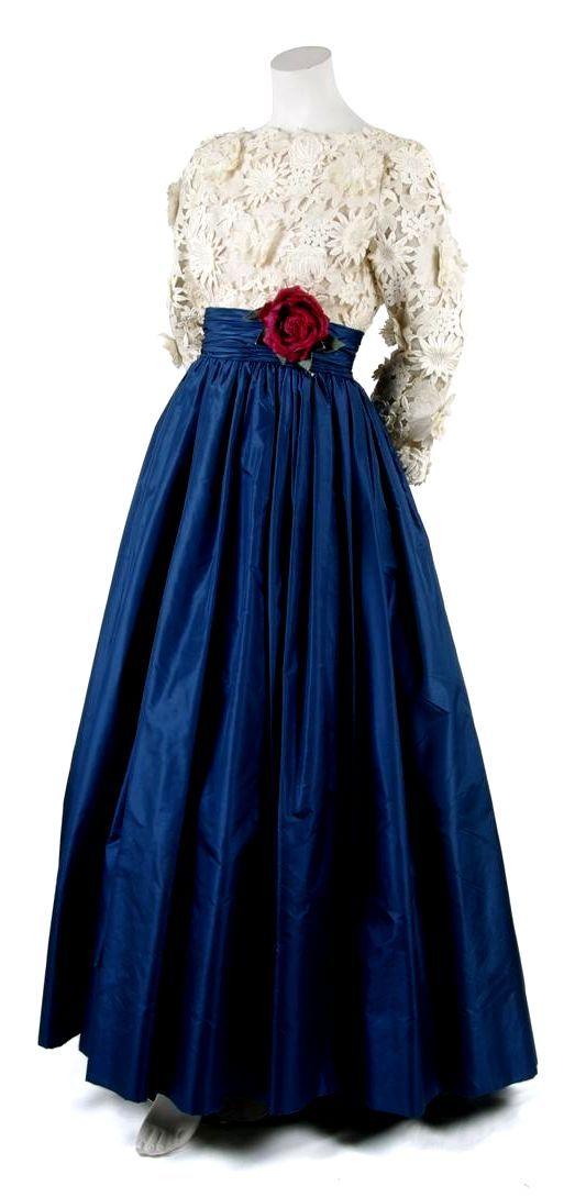 HISTORICAL 1960 BEST DRESSES
