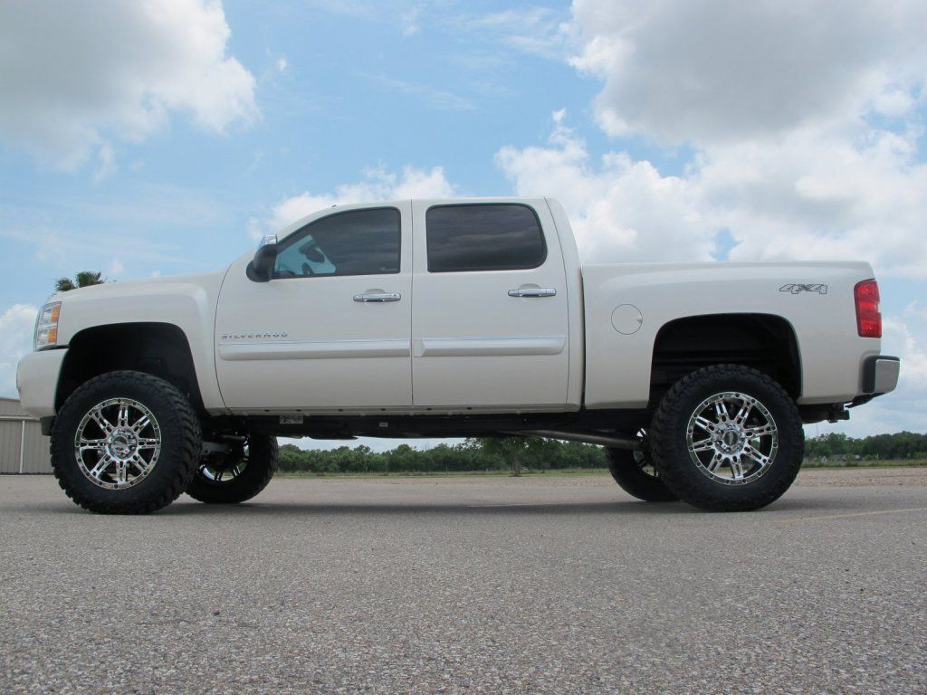 Lifted Silverado Images On Photobucket Lifted Chevy Trucks Chevrolet Trucks Lifted Silverado