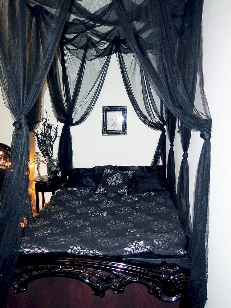 Nice 46 Captivating Gothic Canopy Bed Curtain Design Ideas With Victorian Styles More At Https Decoratrend Com Black Canopy Beds Gothic Bedroom Bed Curtains Bedroom ideas black canopy