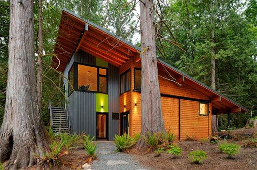 Modern Sngle Family House by Johnston Architects.