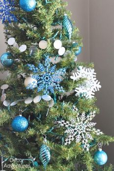 blue silver and white christmas tree 3dd6b0507