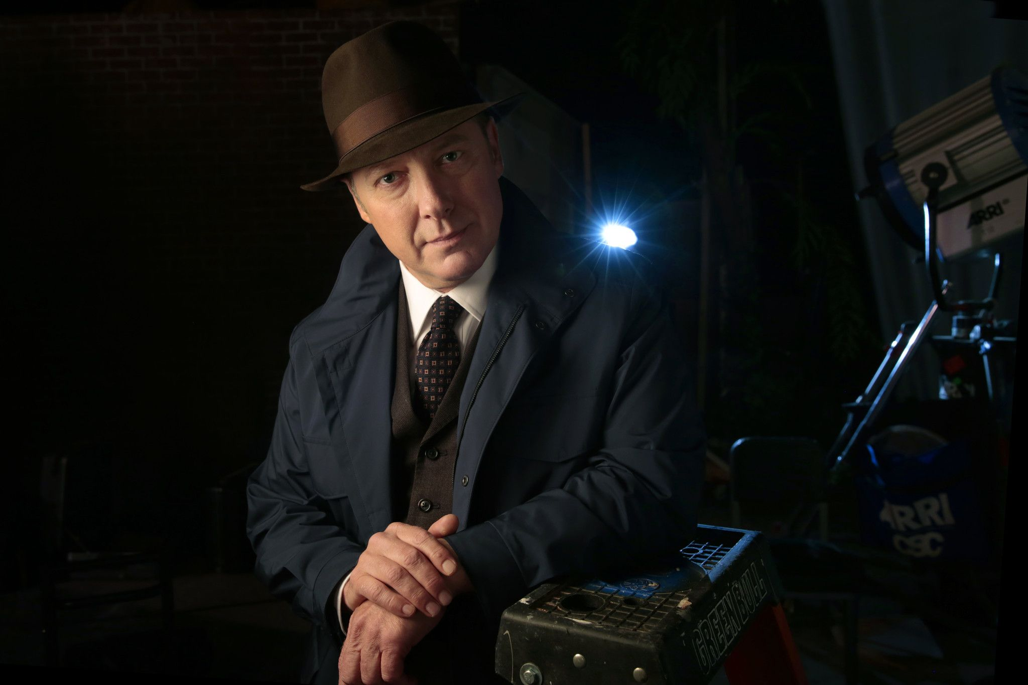 James Spader The Odd Man In Adds The Blacklist To His Roles All Is Red On The Blacklist 映画 と ドラマ