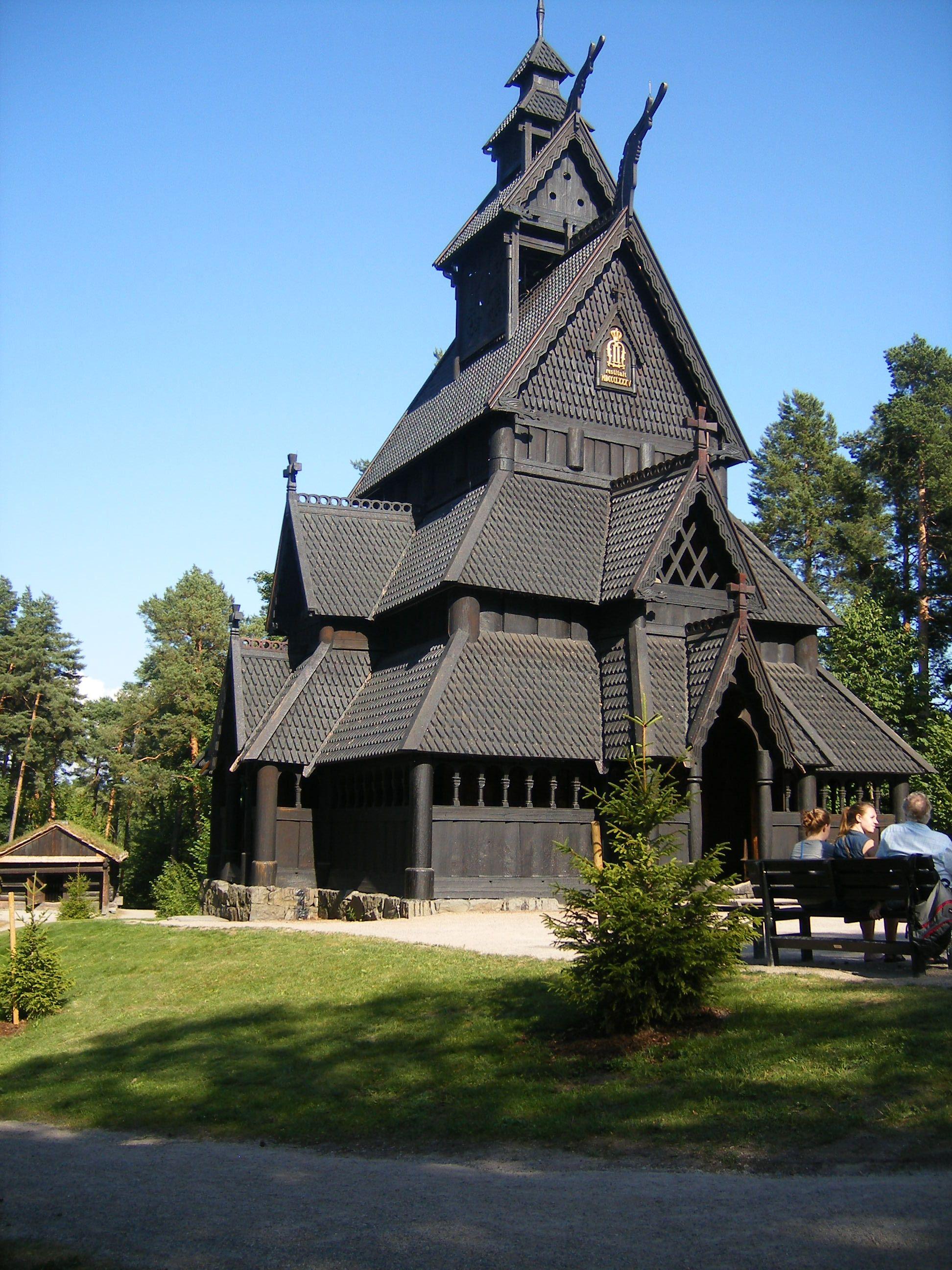 Stabskirche in der n he von oslo norwegen bauwerke for Norwegen haus