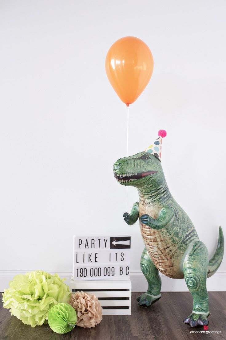 Dinosaur Birthday Party Gift Table Party Ideas Pinterest